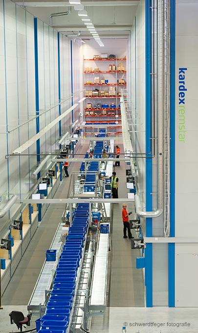 Kardex Remstar: Industriefotografie, Reportage über Lagersysteme